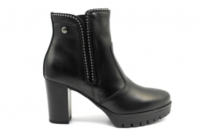 Black garden A909670D Black Boots Above the Ankle Woman With Plateau